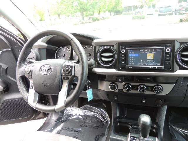 2017 Toyota Tacoma SR5 V6 / 4x4 / Double cab / Backup / LIFTED LIFTED - Photo 19 - Portland, OR 97217