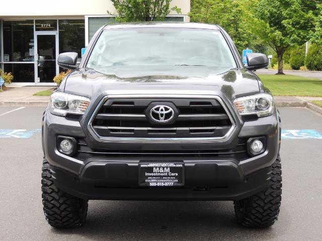 2017 Toyota Tacoma SR5 V6 / 4x4 / Double cab / Backup / LIFTED LIFTED - Photo 5 - Portland, OR 97217
