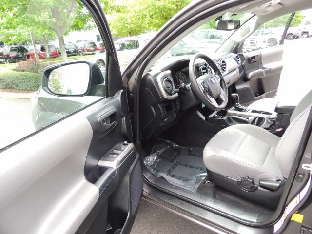 2017 Toyota Tacoma SR5 V6 / 4x4 / Double cab / Backup / LIFTED LIFTED - Photo 13 - Portland, OR 97217