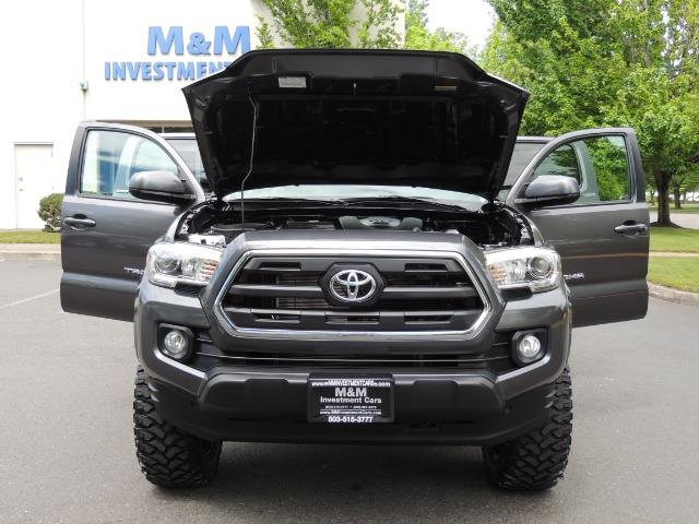 2017 Toyota Tacoma SR5 V6 / 4x4 / Double cab / Backup / LIFTED LIFTED - Photo 32 - Portland, OR 97217