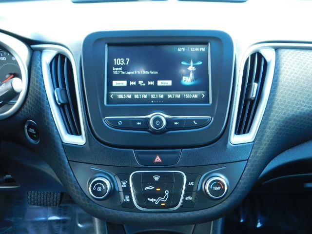 2017 Chevrolet Malibu LS / Sedan / Backup camera / 1-OWNER / LOW MILES - Photo 21 - Portland, OR 97217