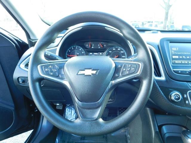 2017 Chevrolet Malibu LS / Sedan / Backup camera / 1-OWNER / LOW MILES - Photo 20 - Portland, OR 97217