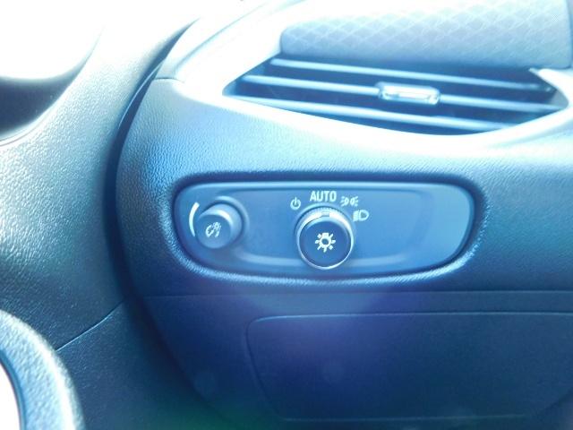 2017 Chevrolet Malibu LS / Sedan / Backup camera / 1-OWNER / LOW MILES - Photo 39 - Portland, OR 97217
