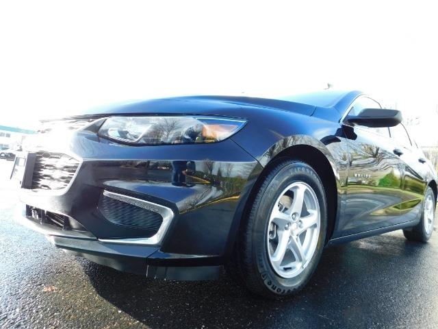 2017 Chevrolet Malibu LS / Sedan / Backup camera / 1-OWNER / LOW MILES - Photo 12 - Portland, OR 97217