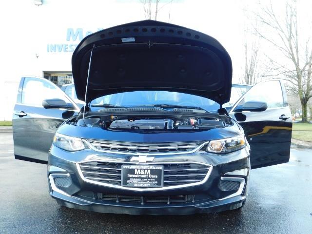 2017 Chevrolet Malibu LS / Sedan / Backup camera / 1-OWNER / LOW MILES - Photo 31 - Portland, OR 97217