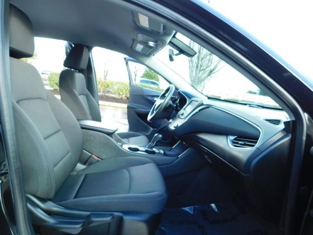 2017 Chevrolet Malibu LS / Sedan / Backup camera / 1-OWNER / LOW MILES - Photo 17 - Portland, OR 97217
