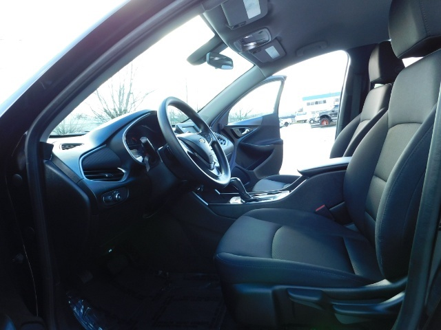 2017 Chevrolet Malibu LS / Sedan / Backup camera / 1-OWNER / LOW MILES - Photo 14 - Portland, OR 97217
