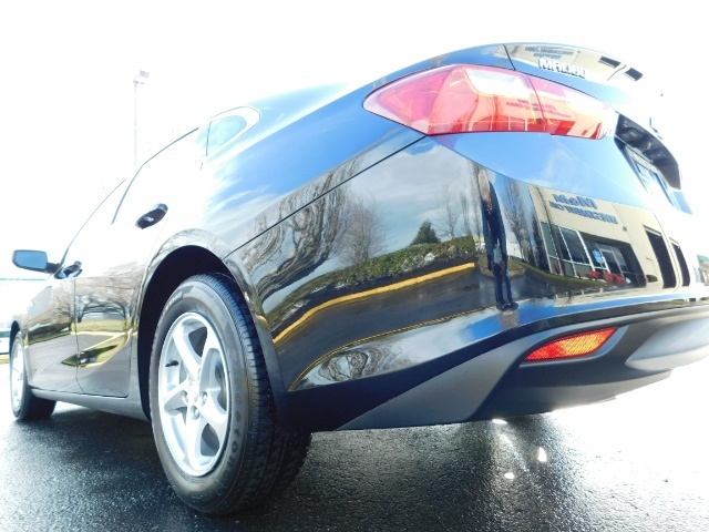 2017 Chevrolet Malibu LS / Sedan / Backup camera / 1-OWNER / LOW MILES - Photo 10 - Portland, OR 97217