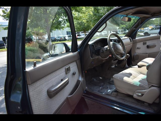 1997 Toyota Tacoma V6 2dr X-Cab 5 Speed Manual 4WD TimingBelt Done - Photo 13 - Portland, OR 97217