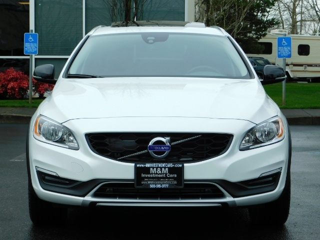 2017 Volvo V60 Cross Country T5 Premier / Cross Country / V60 / AWD / 1-OWNER - Photo 5 - Portland, OR 97217