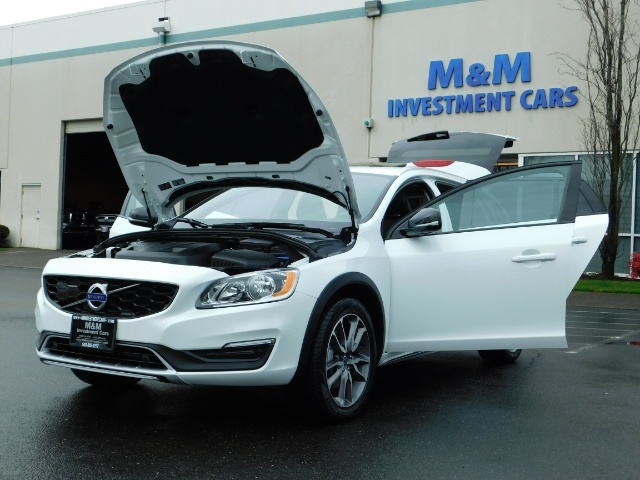 2017 Volvo V60 Cross Country T5 Premier / Cross Country / V60 / AWD / 1-OWNER - Photo 25 - Portland, OR 97217