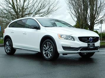2017 Volvo V60 Cross Country T5 Premier / Cross Country / V60 / AWD / 1-OWNER Wagon