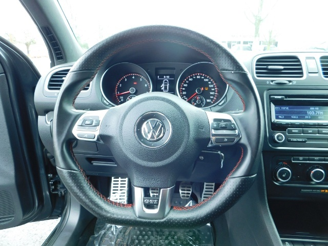 2014 Volkswagen GTI Wolfsburg Edition PZEV / 6-SPEED/ 1-OWNER - Photo 20 - Portland, OR 97217