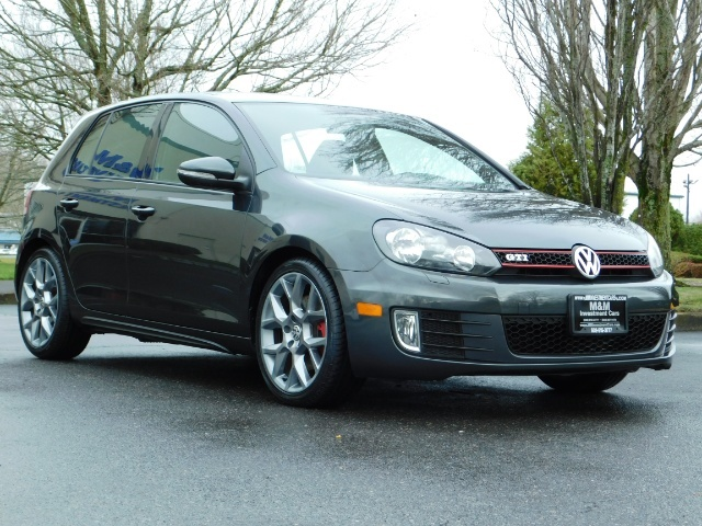 2014 Volkswagen GTI Wolfsburg Edition PZEV / 6-SPEED/ 1-OWNER - Photo 2 - Portland, OR 97217