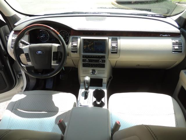 2010 Ford Flex Limited / AWD / Third Seat / Navigation / Leather - Photo 40 - Portland, OR 97217