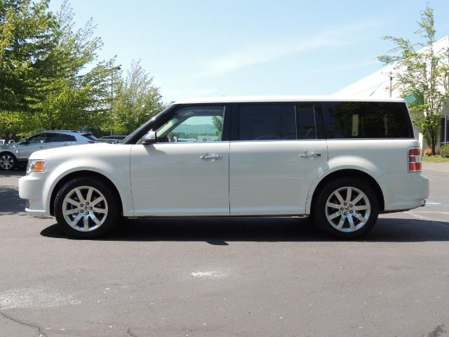 2010 Ford Flex Limited / AWD / Third Seat / Navigation / Leather - Photo 3 - Portland, OR 97217