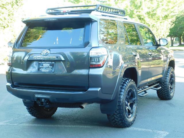 2016 Toyota 4Runner SR5 / 4WD / Navi / Backup Camera/ LIFTED LIFTED - Photo 8 - Portland, OR 97217