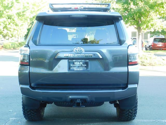 2016 Toyota 4Runner SR5 / 4WD / Navi / Backup Camera/ LIFTED LIFTED - Photo 6 - Portland, OR 97217