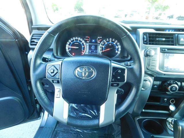 2016 Toyota 4Runner SR5 / 4WD / Navi / Backup Camera/ LIFTED LIFTED - Photo 38 - Portland, OR 97217