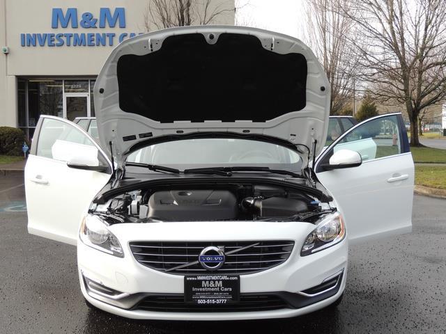 2017 Volvo V60 T5 Premier/ Leather / Heated Seats / Navigation - Photo 32 - Portland, OR 97217