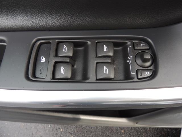 2017 Volvo V60 T5 Premier/ Leather / Heated Seats / Navigation - Photo 34 - Portland, OR 97217