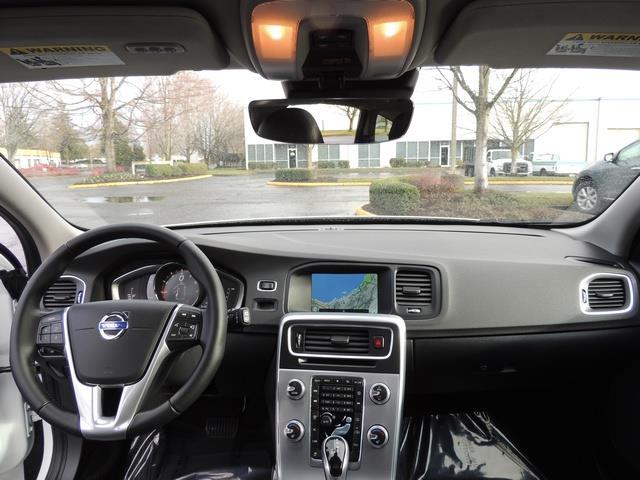 2017 Volvo V60 T5 Premier/ Leather / Heated Seats / Navigation - Photo 35 - Portland, OR 97217