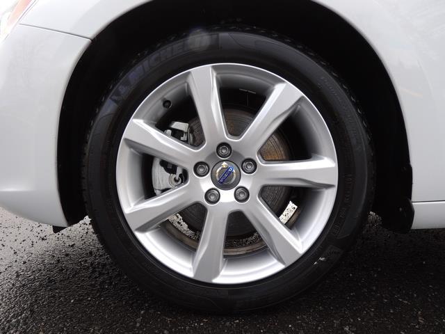 2017 Volvo V60 T5 Premier/ Leather / Heated Seats / Navigation - Photo 23 - Portland, OR 97217