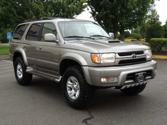 2002 Toyota 4Runner SR5 / Sport / 4X4 / 3.4L 6Cyl / LIFTED LIFTED