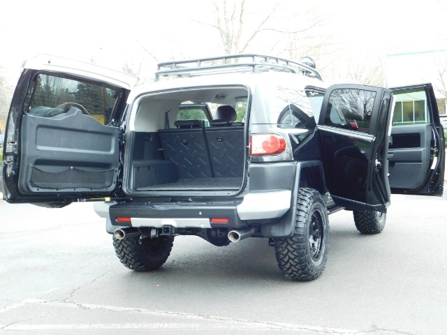 2007 Toyota FJ Cruiser 4dr SUV / 4WD / Rear Diff Locks / LIFTED - Photo 31 - Portland, OR 97217