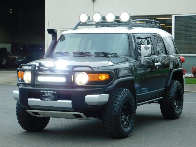 2007 Toyota FJ Cruiser 4dr SUV / 4WD / Rear Diff Locks / LIFTED - Photo 12 - Portland, OR 97217
