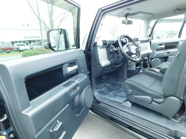 2007 Toyota FJ Cruiser 4dr SUV / 4WD / Rear Diff Locks / LIFTED - Photo 36 - Portland, OR 97217
