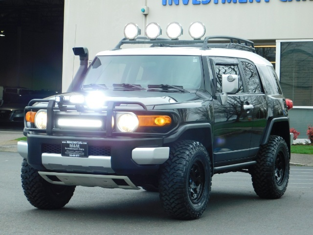 2007 Toyota FJ Cruiser 4dr SUV / 4WD / Rear Diff Locks / LIFTED - Photo 10 - Portland, OR 97217