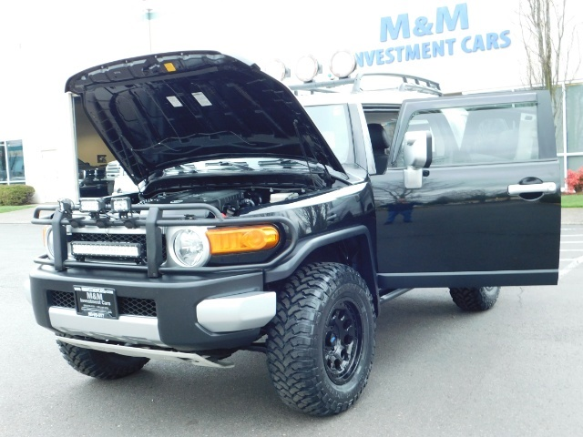 2007 Toyota FJ Cruiser 4dr SUV / 4WD / Rear Diff Locks / LIFTED - Photo 25 - Portland, OR 97217