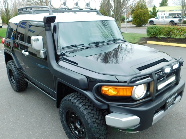 2007 Toyota FJ Cruiser 4dr SUV / 4WD / Rear Diff Locks / LIFTED - Photo 7 - Portland, OR 97217