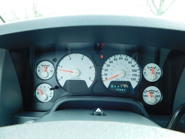 2007 Dodge Ram 3500 SLT / 4X4 / MEGACAB / DUALLY / 5.9L DIESEL / LOW M - Photo 35 - Portland, OR 97217