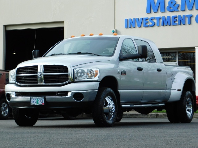 2007 Dodge Ram 3500 SLT / 4X4 / MEGACAB / DUALLY / 5.9L DIESEL / LOW M - Photo 42 - Portland, OR 97217