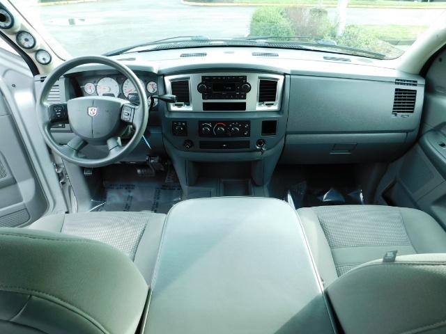 2007 Dodge Ram 3500 SLT / 4X4 / MEGACAB / DUALLY / 5.9L DIESEL / LOW M - Photo 21 - Portland, OR 97217