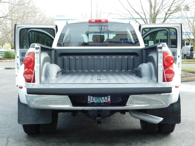 2007 Dodge Ram 3500 SLT / 4X4 / MEGACAB / DUALLY / 5.9L DIESEL / LOW M - Photo 22 - Portland, OR 97217