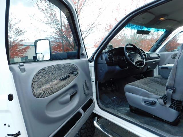 1998 Dodge Ram 2500 Laramie SLT 4dr / 4X4 / 5.9L DIESEL / 5-SPEED MANU - Photo 13 - Portland, OR 97217
