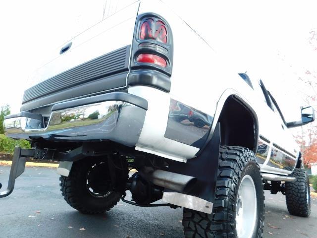 1998 Dodge Ram 2500 Laramie SLT 4dr / 4X4 / 5.9L DIESEL / 5-SPEED MANU - Photo 11 - Portland, OR 97217