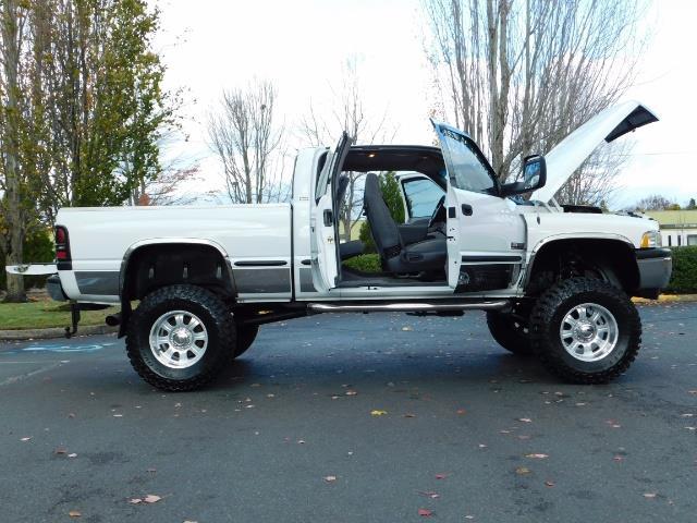 1998 Dodge Ram 2500 Laramie SLT 4dr / 4X4 / 5.9L DIESEL / 5-SPEED MANU - Photo 18 - Portland, OR 97217