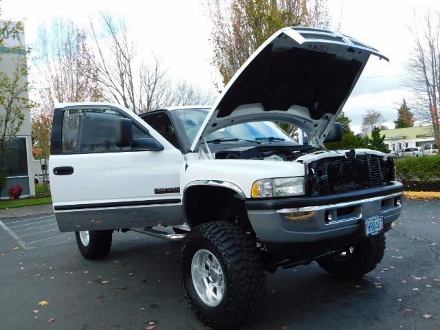 1998 Dodge Ram 2500 Laramie SLT 4dr / 4X4 / 5.9L DIESEL / 5-SPEED MANU - Photo 29 - Portland, OR 97217