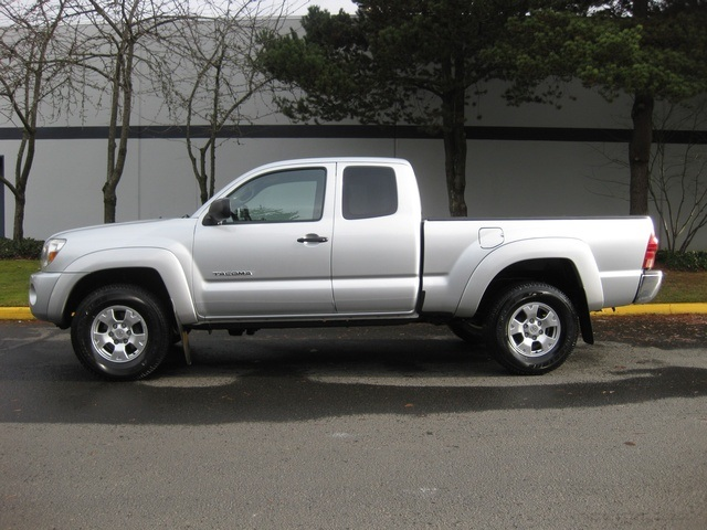 Superb 2008 Toyota Tacoma V6 Access Cab / 4x4/ Auto   Photo 2   Portland,