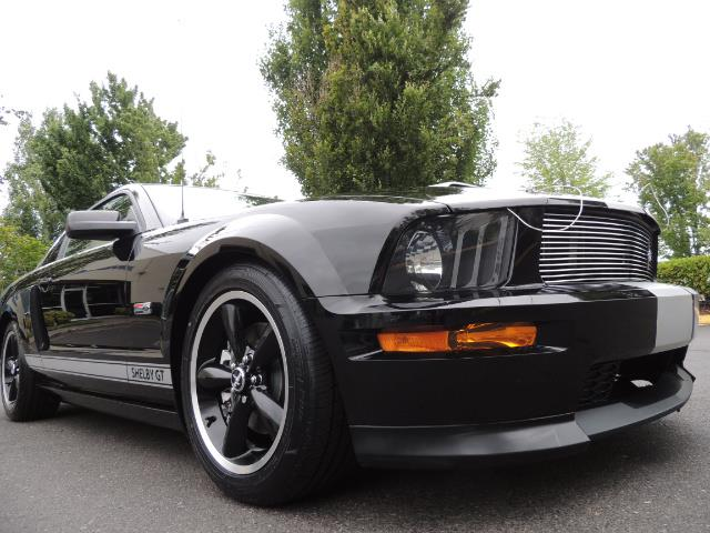 2007 Ford Mustang GT Premium / 5-SPEED / SHELBY PKG / 38K MILES - Photo 10 - Portland, OR 97217