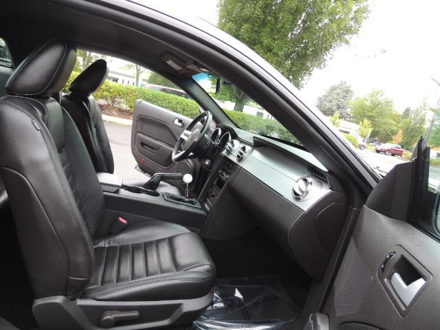 2007 Ford Mustang GT Premium / 5-SPEED / SHELBY PKG / 38K MILES - Photo 17 - Portland, OR 97217