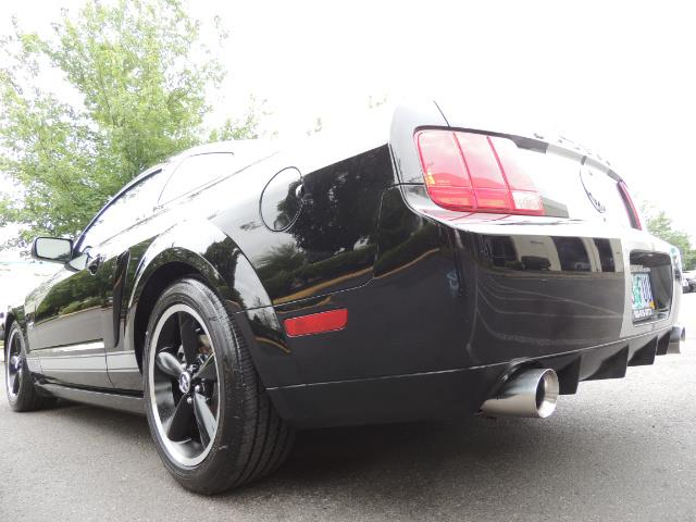 2007 Ford Mustang GT Premium / 5-SPEED / SHELBY PKG / 38K MILES - Photo 11 - Portland, OR 97217