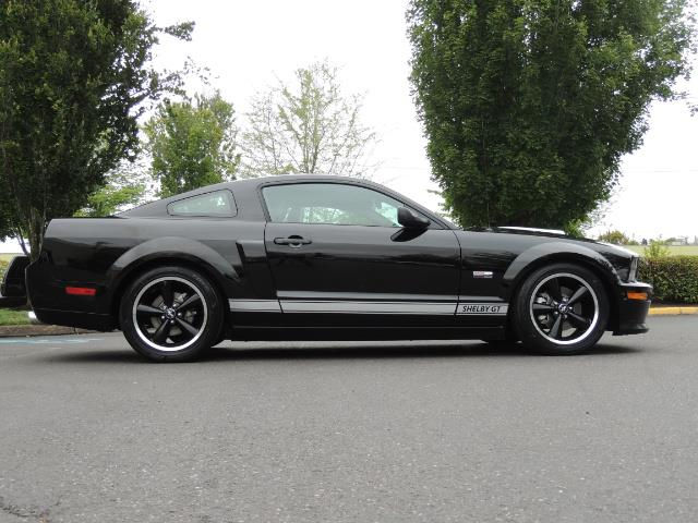2007 Ford Mustang GT Premium / 5-SPEED / SHELBY PKG / 38K MILES - Photo 4 - Portland, OR 97217