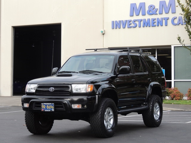 2000 Toyota 4Runner SR5 / 6Cyl / 4X4 / Leather / LIFTED LIFTED   Photo 1