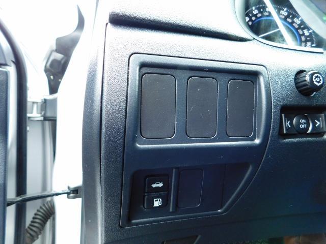 2006 Lexus IS 250 / Leather / Heated seats / Premium Wheels - Photo 44 - Portland, OR 97217