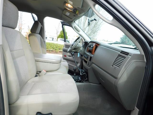 2006 Dodge Ram 3500 SLT / 4X4 / 5.9L CUMMINS DIESEL / 6-SPEED MANUAL - Photo 16 - Portland, OR 97217